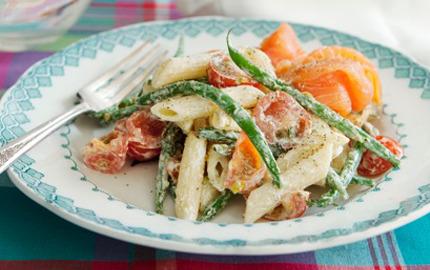 Veckans snabba pasta med spenat och rokt lax