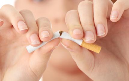 Det finns många anledningar att sluta röka. Att hamna i klimakteriet för tidigt är en av dem.