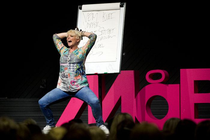 Mia gjorde succé och fick både applåder och gapskratt från publiken.