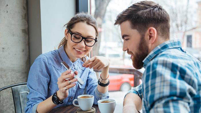 Dating någon som inte kan komma över sina ex