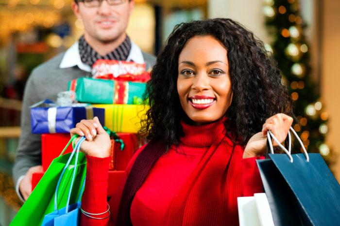 Varför köper vi så mycket julklappar?
