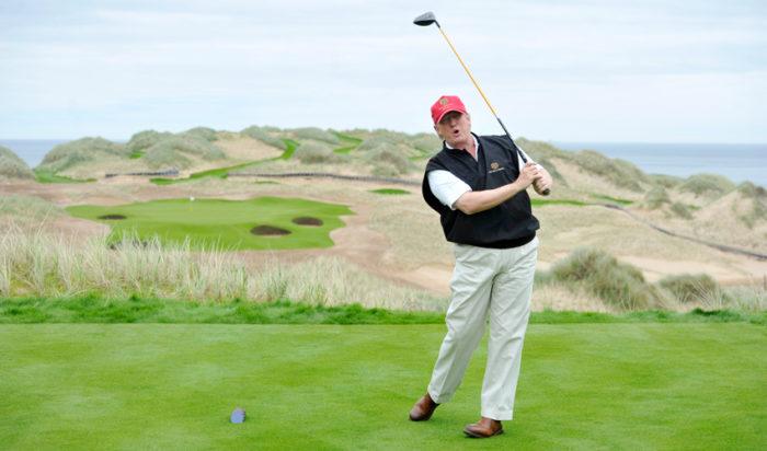 Trump spelar gärna golf – men går inte emllan hålen.