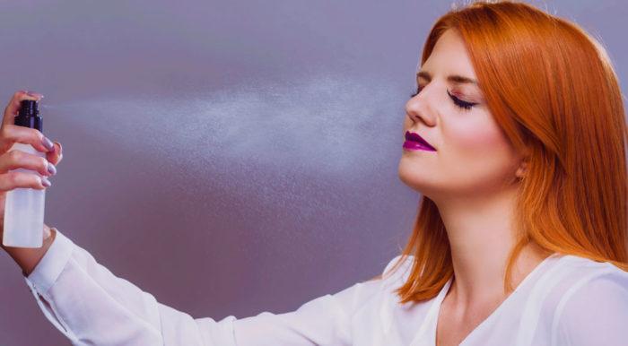 hårspray i ansiktet