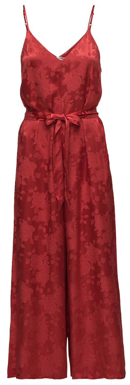 263af15464a5 Är det någon som kan bära upp denna så är det du! Jumpsuit från Gestuz, läs  mer och köp här (reklamlänk via Apprl) .