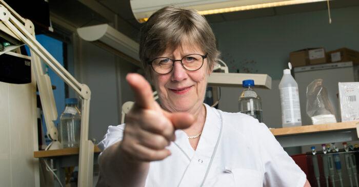 Agnes Wold avlivar myter om coronavirus och myter om covid-19