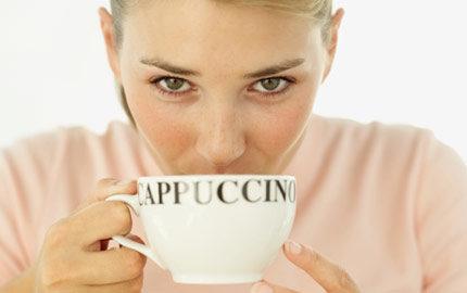 går man upp i vikt av kaffe