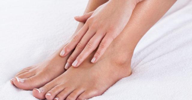ont i foten ovansidan stortån