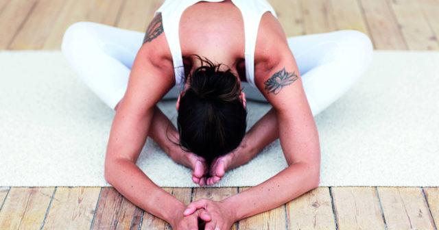 medicinsk yoga övningar hemma