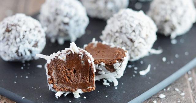 Så gör du ljuvliga chokladtryfflar - på avokado!