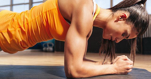 10 träningsövningar du kan utföra utan redskap