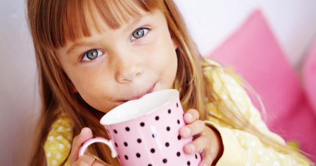 Varningen: Ge aldrig denna dryck till ditt barn!