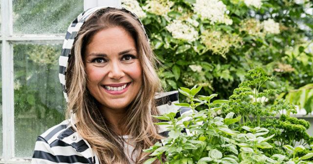 Leila Lindholm gör nytt program med extra nyttig mat