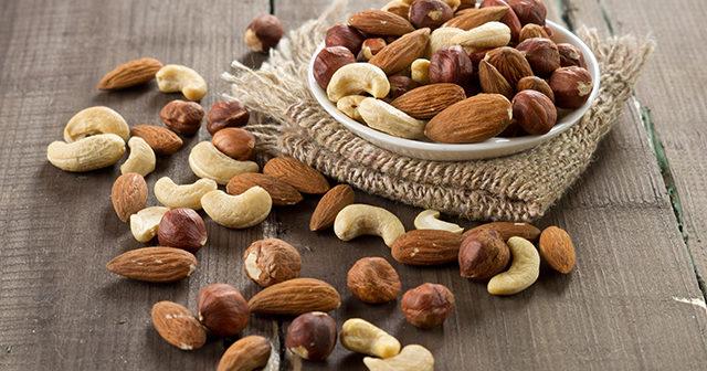 Forskning: Därför ska du äta en handfull nötter per dag
