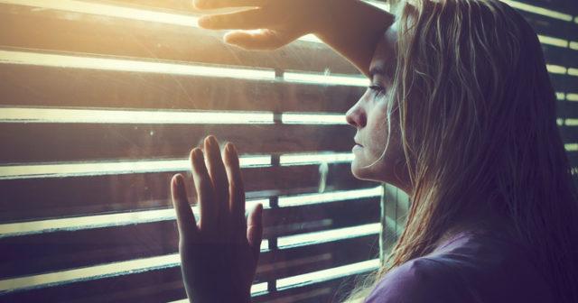 Mila Kunis dating 2012