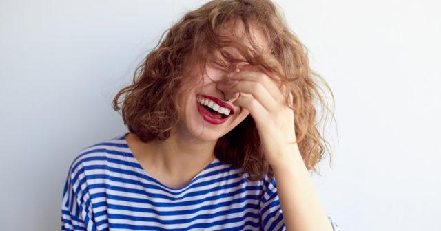 Social och rädd för kritik? 11 tecken på att du är en ESFP