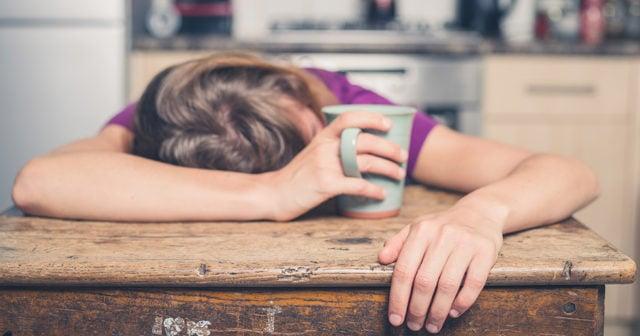 trött hela tiden sover mycket