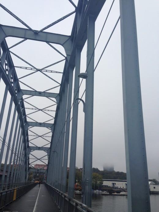Det är något visst med broar. Inget slår ju Brooklyn Bridge - men Lidingöbron är inte så tokig heller.