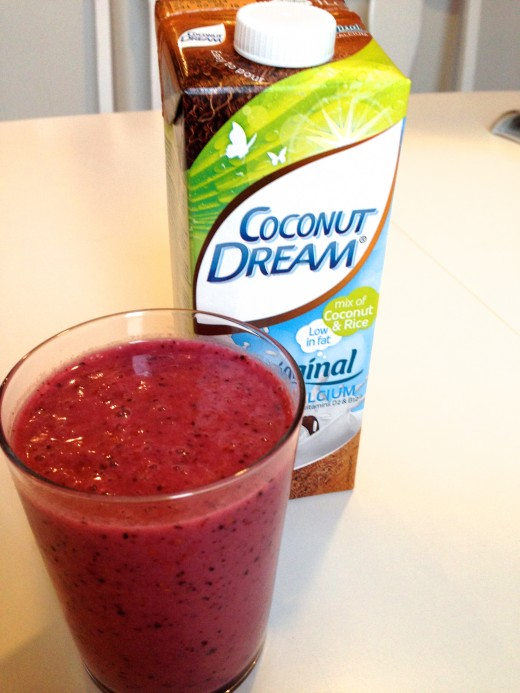 Coconut and berry smoothie