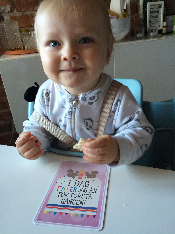 grattis på 1 årsdagen Grattis på 1 årsdagen. | Angelica grattis på 1 årsdagen