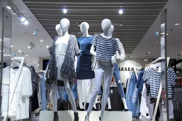 Börja jobbhösten med att ta kontroll över din garderob och lista plaggen som du vill shoppa nytt.