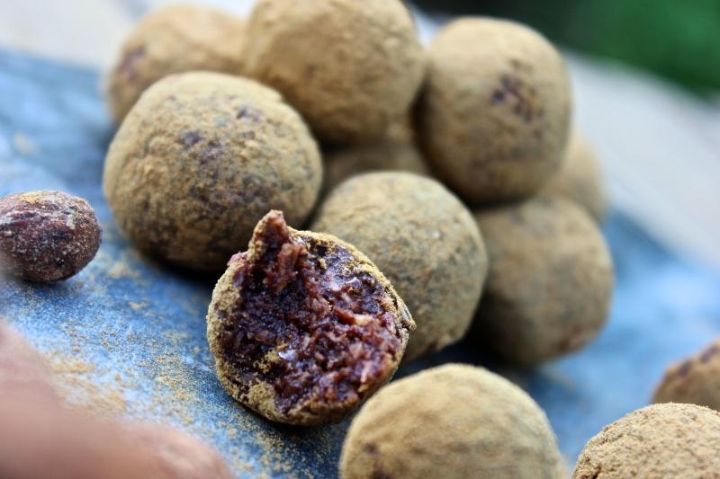Lakritspulver-lakrits-rawfood-rawfoodbollar-kakao-nyttigt-recept