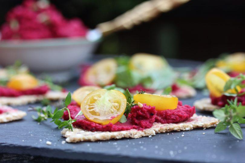 veganka snittar med rödbetshummus nyttigt