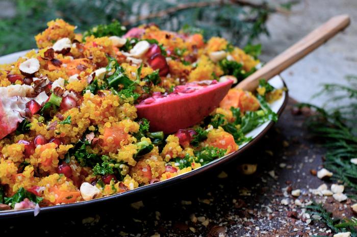 Quinoasallad med granatäpple och saffran
