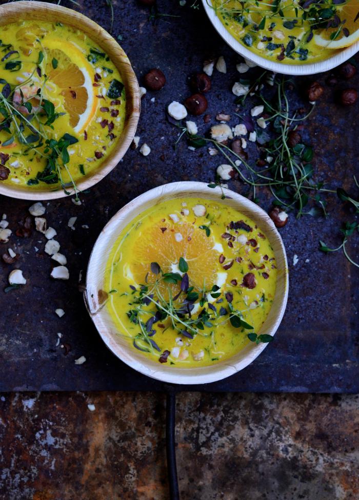 Soppa med saffran apelsin och räkor