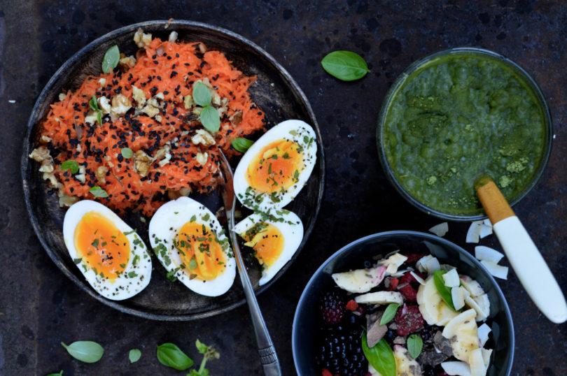 Frukost Ägg moringa bär