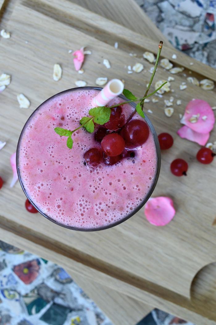 Smoothie med rödvinbär