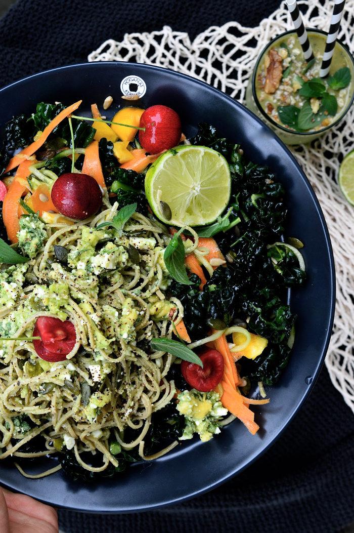 vegetariskt med böpasta och avokado