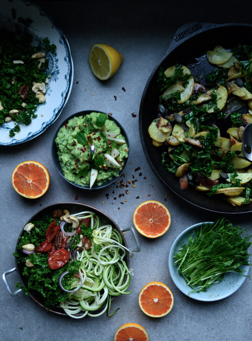 Vegetarisk sallad med avokadotzatziki