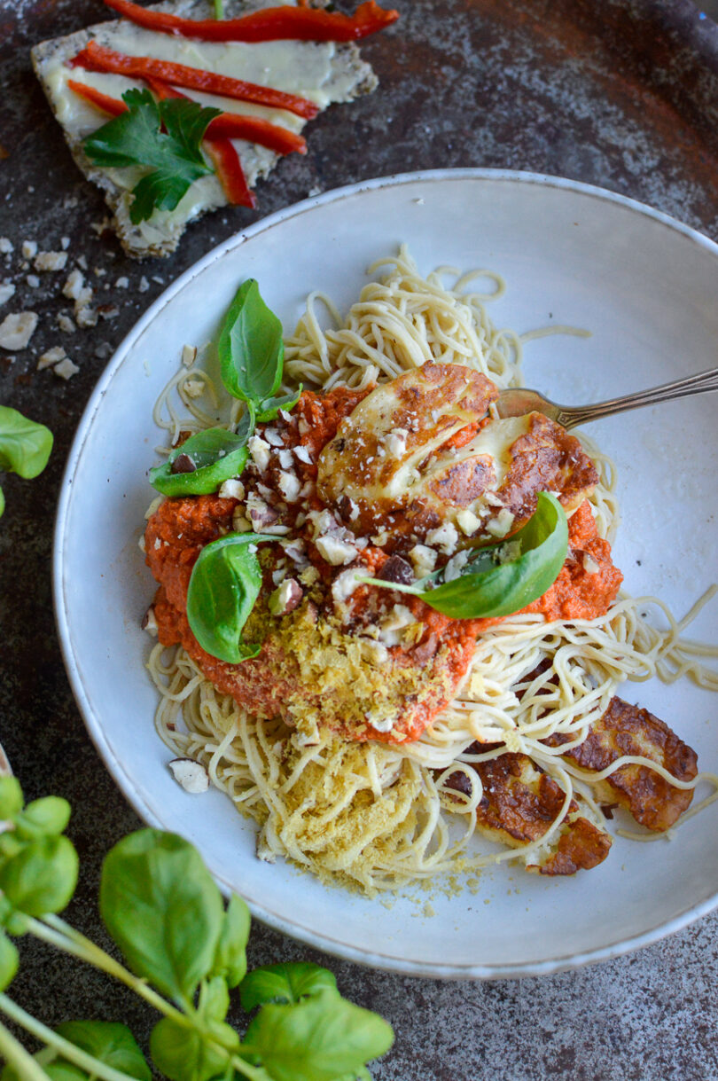 bönpasta med tomatsås