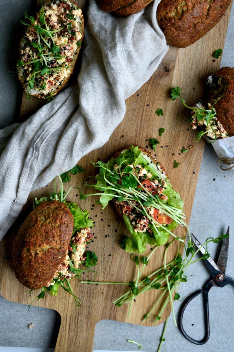 baguetter med soltorkade tomater och feta