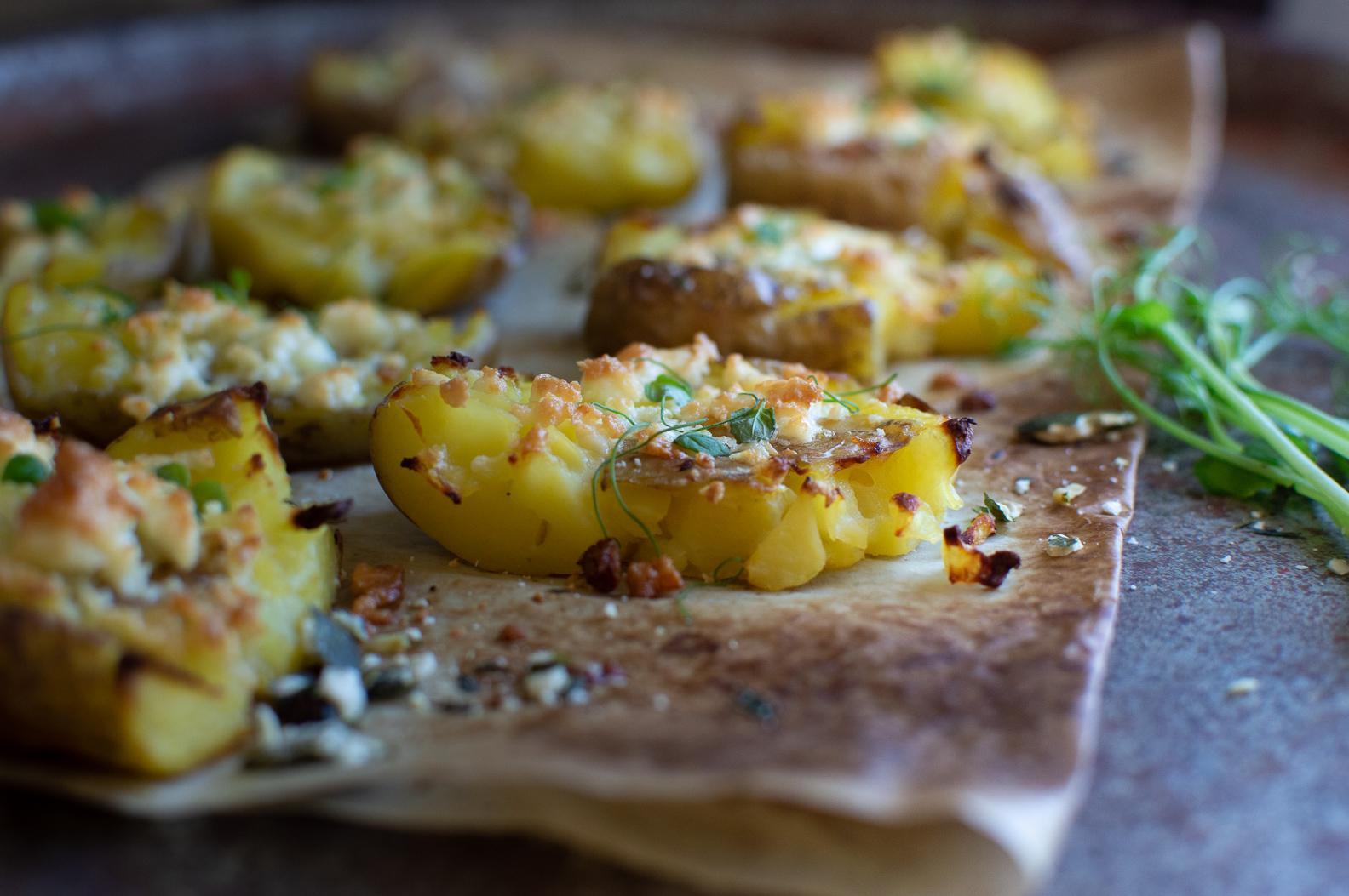 Krossad potatis med fetaost